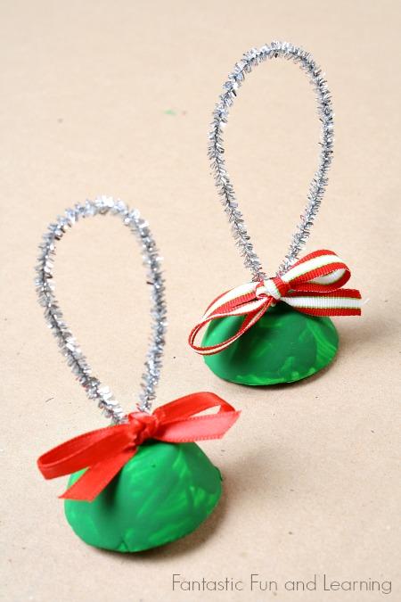 egg carton bell ornament (via fantasticfunandlearning)