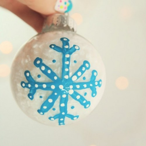 hand painted ornament (via kidsomania)