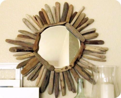 simple driftwood mirror (via thewickerhouse)