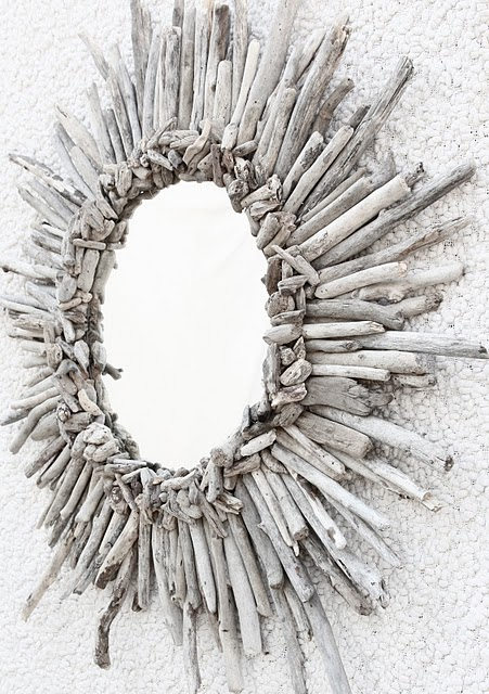 driftwood sunburst mirror (via alamodemaven)