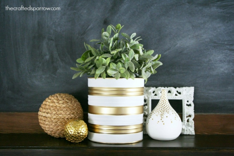 Picture Of easy and budget savvy diy painted tin can planters  7