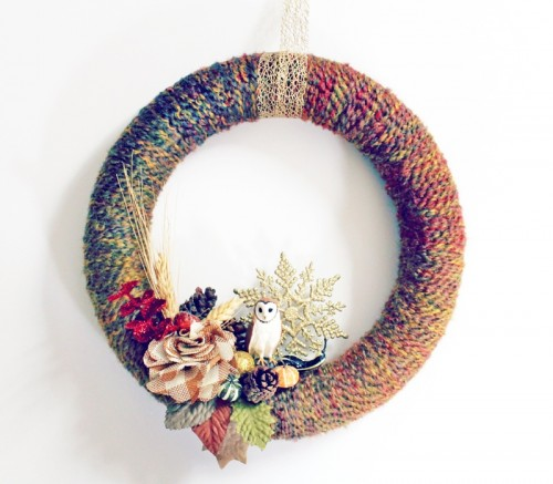 fall yarn wreath (via babbledabbledo)