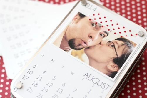 easy gift calendar (via craftsunleashed)