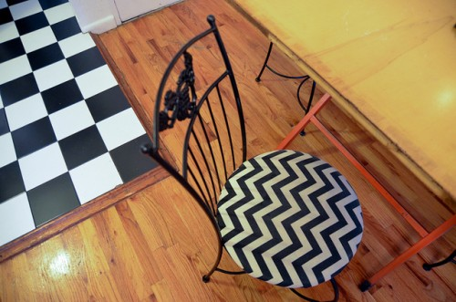 chevron chair upcycle (via starsforstreetlights)