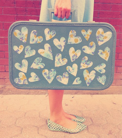 heart suitcase decor (via skunkboyblog)