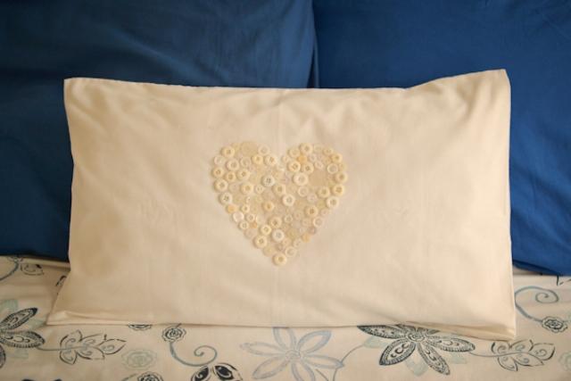 Easy Diy Button Heart Pillow