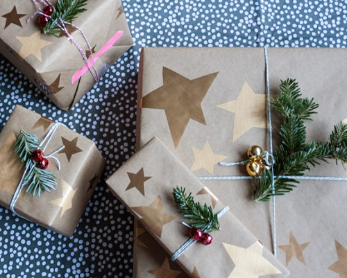 star wrapping paper (via little-white-whale)