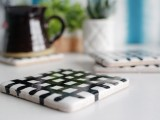 easy-diy-crisscross-coasters-from-tiles-2