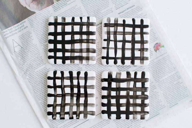 Picture Of easy diy crisscross coasters from tiles  8