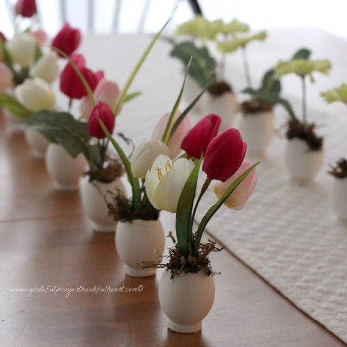 springtime blossoms in shells (via gratefulprayerthankfulheart)