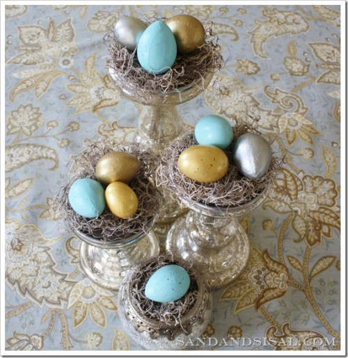 speckled and gilded eggs centerpiece (via sandandsisal)