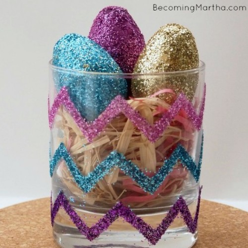 glitter chevron vase with eggs (via becomingmartha)