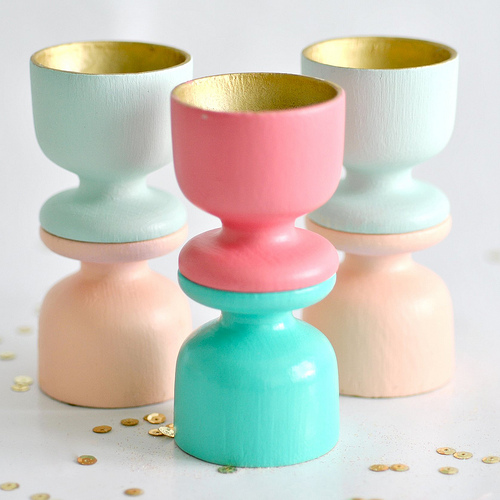 painted wooden egg cups (via toriejayne)
