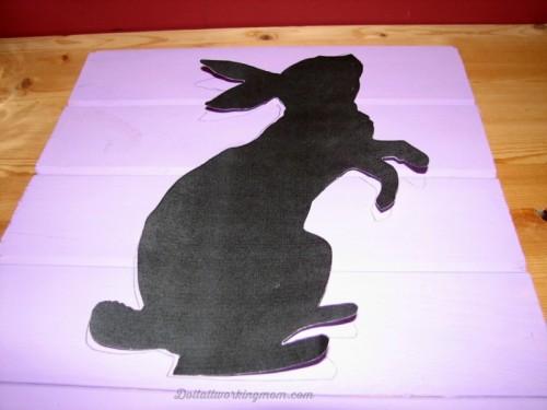 Peter Rabbit Easter sign (via doitallworkingmom)