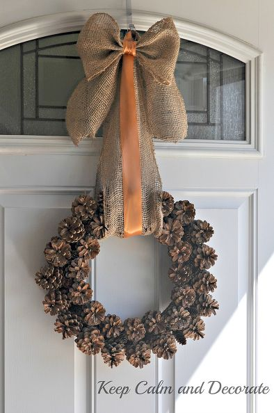 cute pinecone wreath (via hometalk)