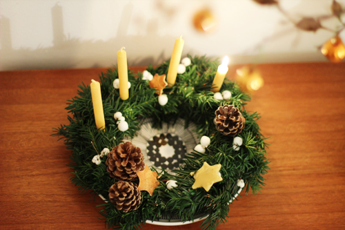 all-natural advent wreath (via look-what-i-made)