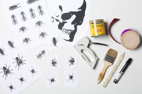 Easy DIY Halloween Transfer Wood Plaques