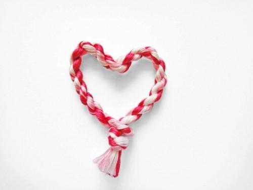 Easy DIY Heart Friendship Bracelet
