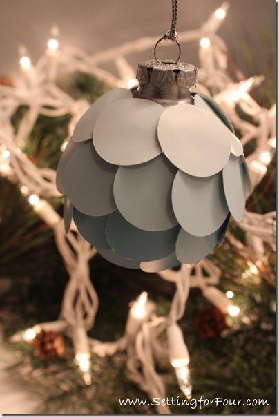 ombre paper ornaments (via settingforfour)