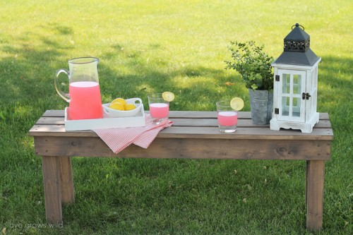 Easy DIY Outdoor Bench To Make