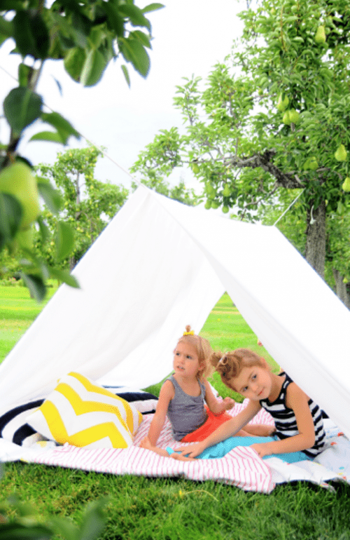 backyard kid tent (via kidsomania)  sc 1 st  Shelterness & 9 Easy DIY Outdoor Tents and Teepees - Shelterness