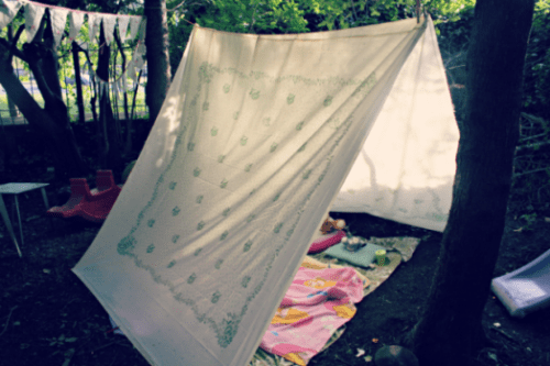 how to make a tent out of sheets outside