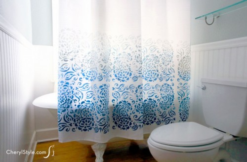 stenciled shower curtain (via everydaydishes)
