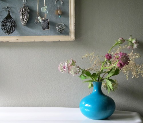 Easy Diy Vintage Jewelry Wall Holder