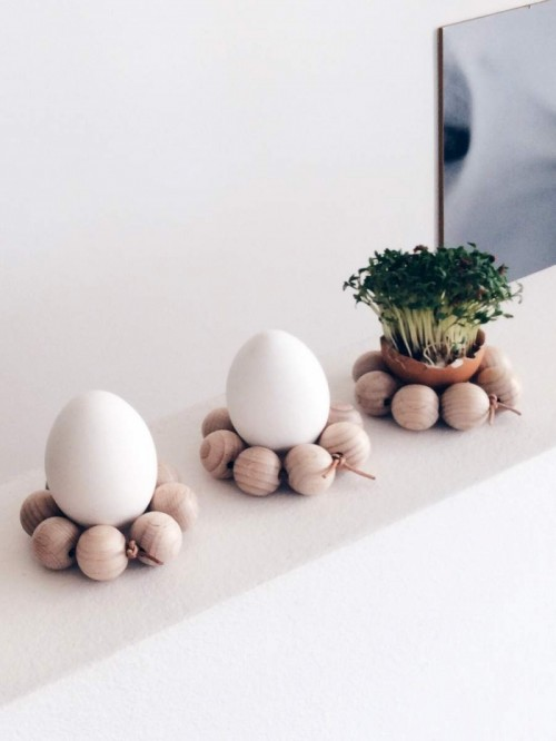 Easy DIY Wooden Bead Egg Holders