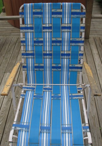 how to reweave your beach chair (via mag)