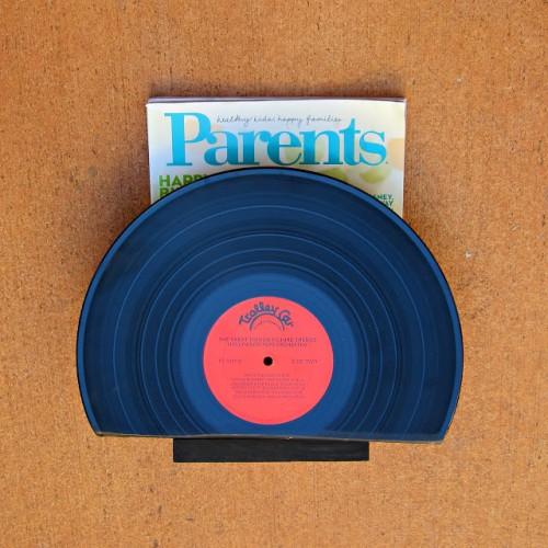 vinyl magazine holder (via morenascorner)