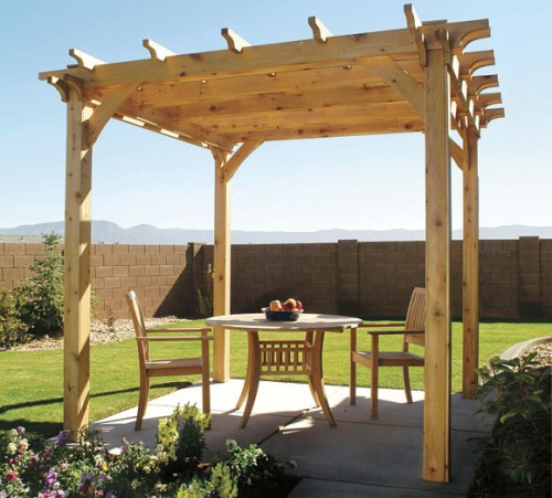 backyard pergola (via popularmechanics)