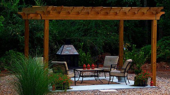 Easy To Make DIY Outdoor Pergolas » free-standing pergola (via ext