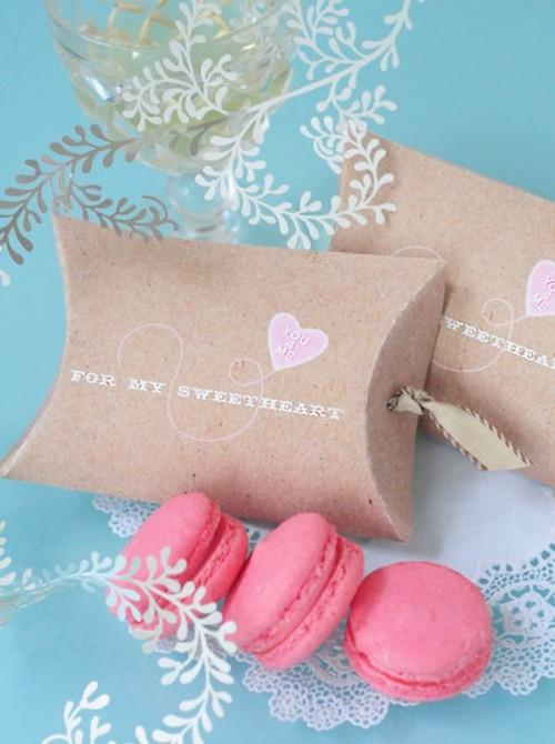 DIY valentine pillow box