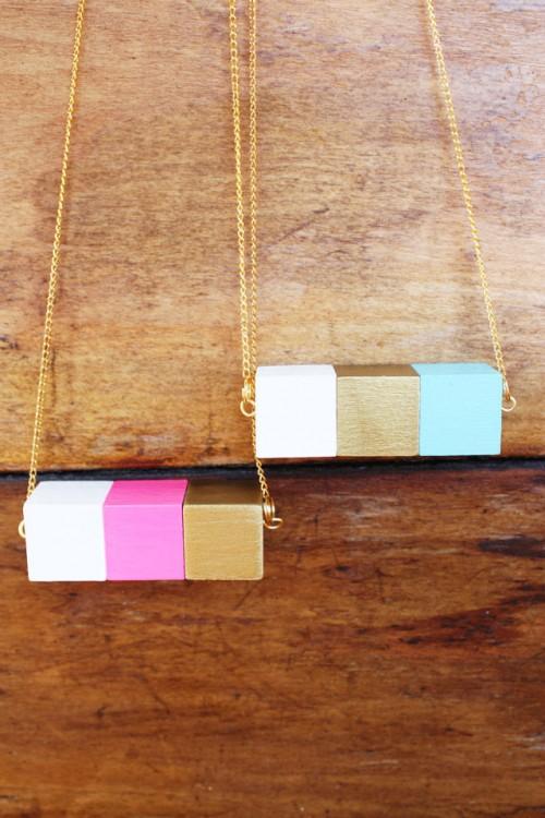 painted block necklace (via luluthebaker)