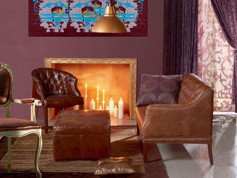 Comfy Eggplant Living Room Design