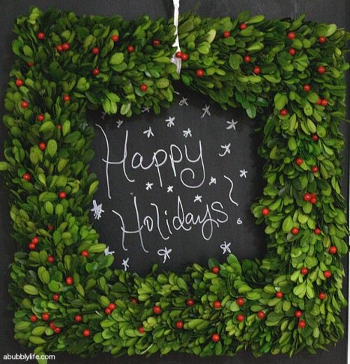 chalkboard Christmas wreath (via abubblylife)