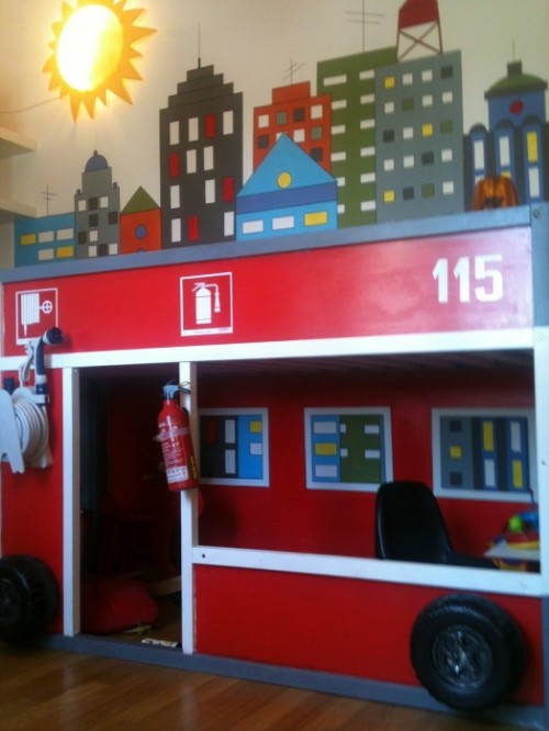 firetruck hack (via kidsomania)