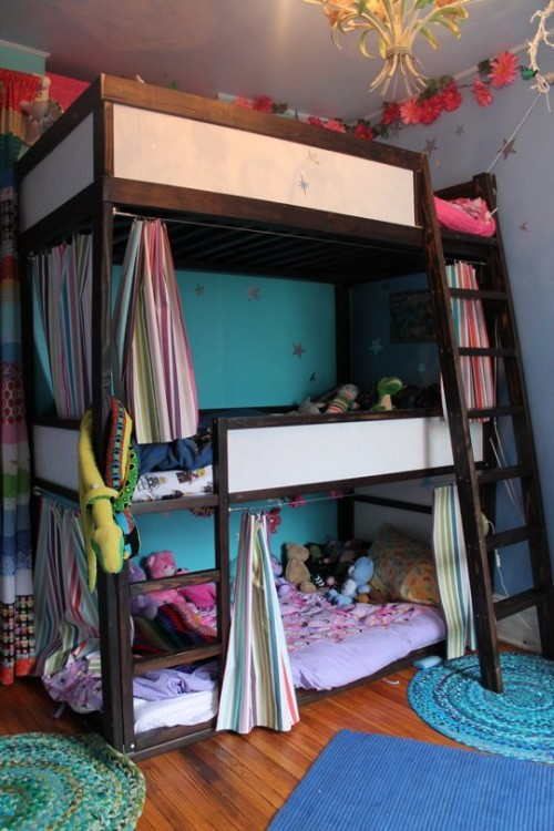 high bunk bed (via apartmenttherapy)