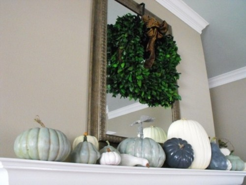 Even neutral shades could be festive and these chic gray pumpkins prove that.