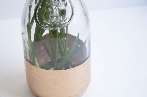 one step gold leaf vase (via shelterness)