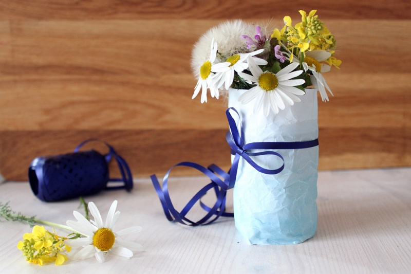 Extremely Easy Diy Ombre Paper Vase