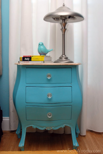 antique nightstand revamp (via sewwoodsy)