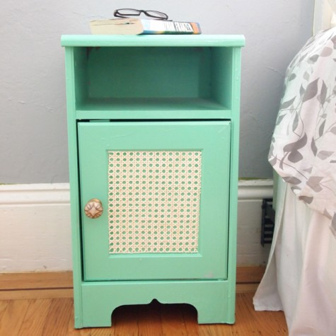 glam-inspired mint nightstand (via crafthabit)