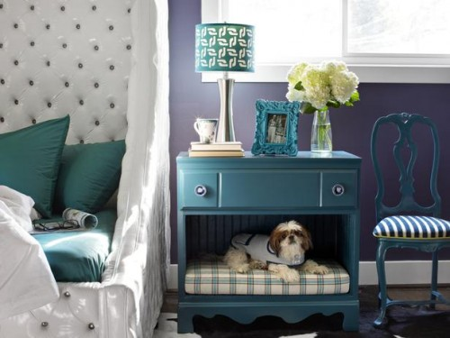 pet bed and nightstand in one revamp (via diynetwork)