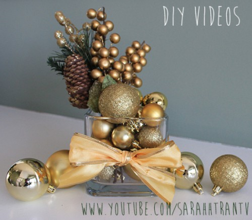 gold Christmas centerpiece (via sarahhtran)