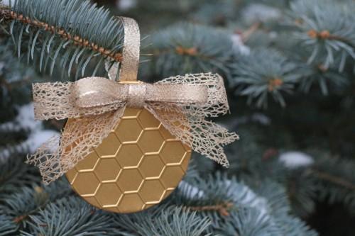 gold honeycomb ornament (via craftsunleashed)