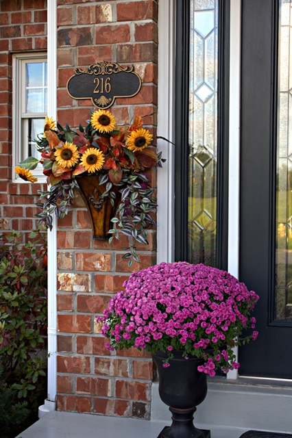 120 fall porch decorating ideas shelterness - Fall front porch ideas ...