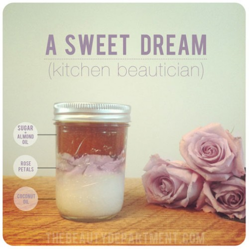 coconut rose body scrub (via thebeautydepartment)