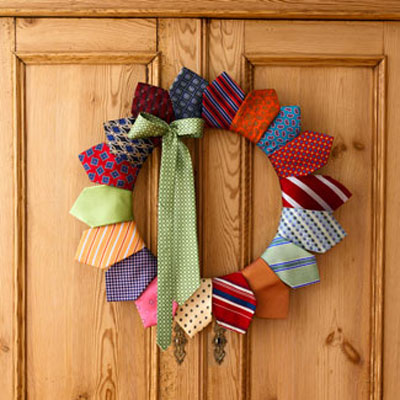 DIY Father's Day Wreath Of Old Ties